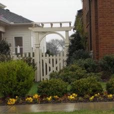 Traditional Landscape Trellis Garden Gate