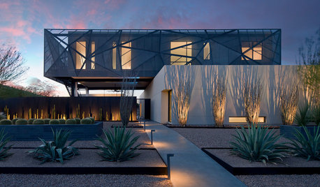 6 Ways to Light the Front of Your House
