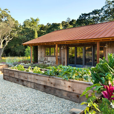 Design ideas for a rustic landscaping in San Francisco.