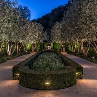 Modelo de jardín francés, mediterráneo, grande, en patio trasero