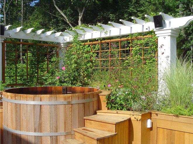 Classique Jardin by Colin Smith Architecture Inc.