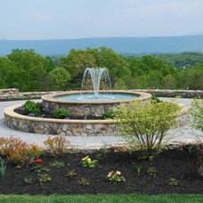 Modern Landscape by Land & Water Design