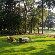Traditional Landscape by plantation building corp