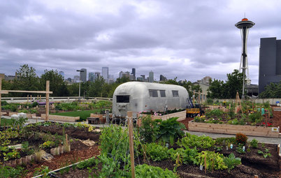 Community Thrives Along With a Garage-Top Garden