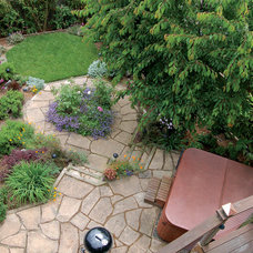 Traditional Landscape by Janet Moyer Landscaping
