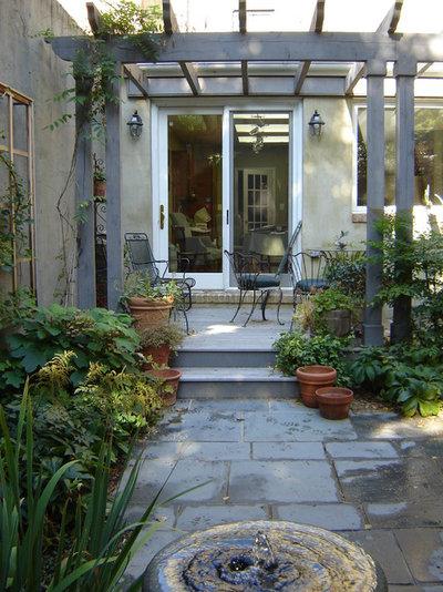 12 astuces pour agrandir son jardin for Plusen landscape architects