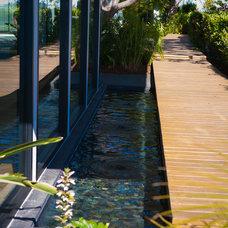 Contemporary Landscape by Kym Rodger Design