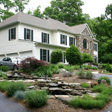 Traditional Landscape by Magee Design