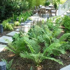 Traditional Landscape by Landscape Design Associates of Westchester, Inc.