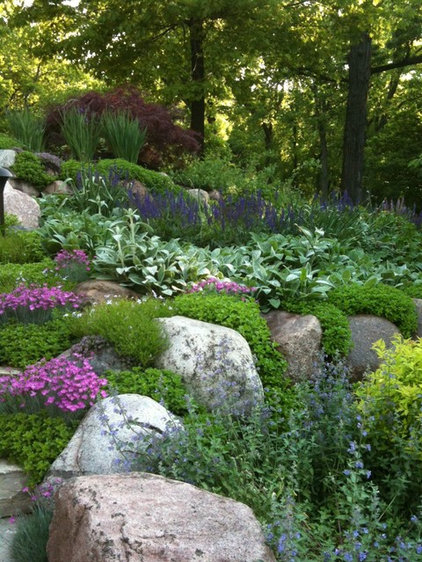 Traditional Landscape by Land Shapers, Inc.