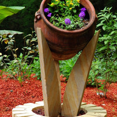 traditional landscape by Vedic Gardens & Nursery, LLC