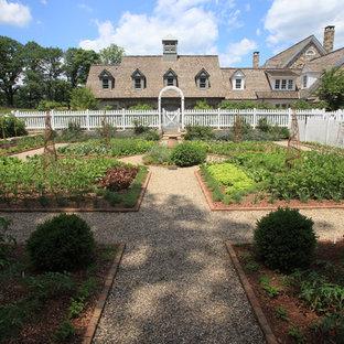 Idee per un grande orto in giardino tradizionale
