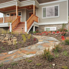 Craftsman Landscape by RW Anderson Homes