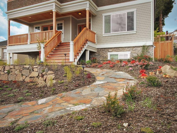 Craftsman Landscape by RW Anderson Homes