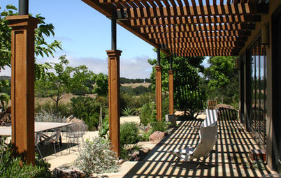 Patio Details: A Shaded Patio Opens Up the View in Wine Country