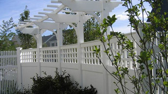 Vinyl Board Fence with Lattice Accent