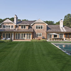 Traditional Landscape by EB Designs