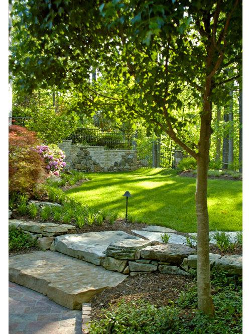 jardin victorien de taille moyenne photos et id es d co de jardins. Black Bedroom Furniture Sets. Home Design Ideas