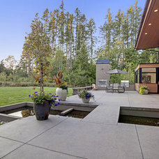 Contemporary Landscape by McClellan Architects