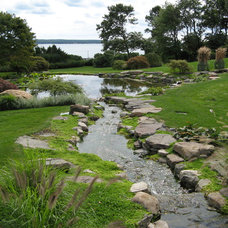 Traditional Landscape by Pond Master