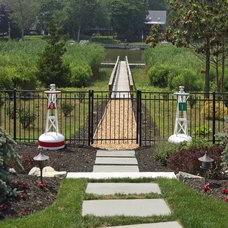 Traditional Landscape by James Traynor Custom Homes