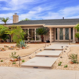 75 Beautiful Southwestern Front Yard Landscaping Pictures Ideas March 2021 Houzz