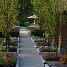 Traditional Landscape by DesRosiers Architects