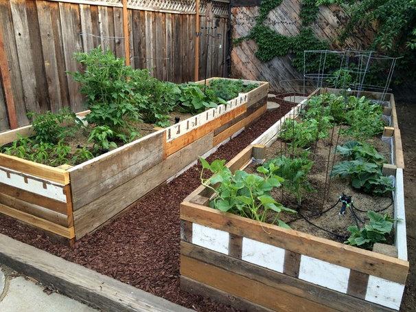 kompost anlegen richtig pflegen und dann als hochbeet nutzen. Black Bedroom Furniture Sets. Home Design Ideas