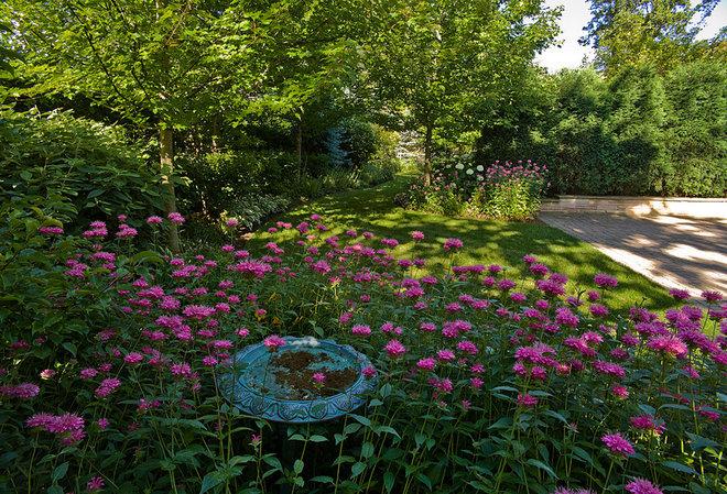 Traditional Landscape by Van Zelst Inc