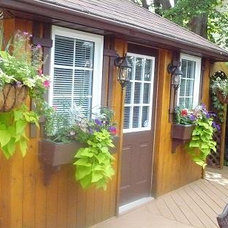 Traditional Landscape window boxes