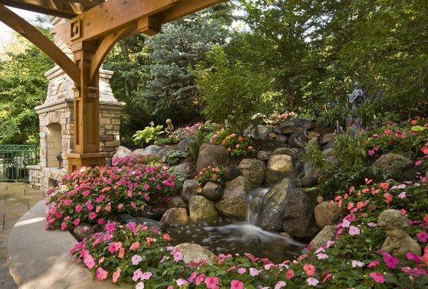 Traditional Landscape by Windsor Companies