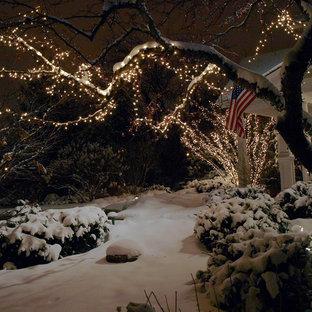 Ispirazione per un giardino chic di medie dimensioni e davanti casa in inverno