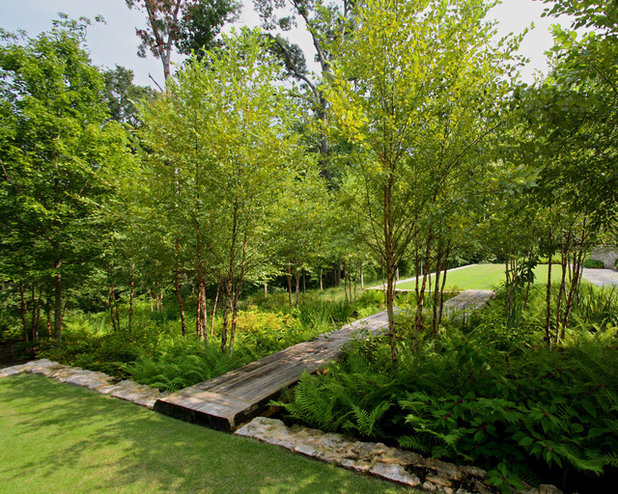 Traditional Landscape by CARBO Landscape Architecture