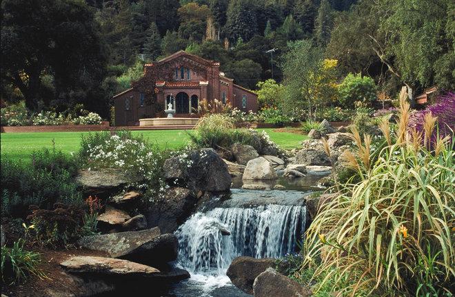 Traditional Landscape by Design Focus Int'l Landscape Architecture & Build