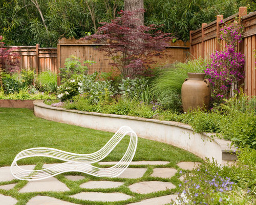 Corner landscaping houzz for Corner house garden designs