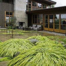 Modern Landscape by Kenneth Philp Landscape Architects