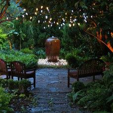 Contemporary Landscape by David Morello Garden Enterprises, Inc.