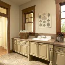 traditional laundry room by Fashion Par Kitchens