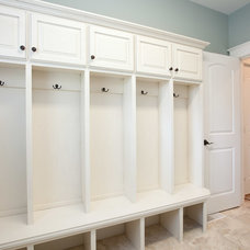 Traditional Laundry Room by Homes By Alan Bosma