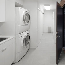 Modern Laundry Room by 180 degrees