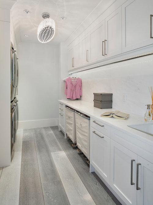 Best laundry room with light hardwood floors design ideas for Modern laundry ideas