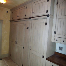 Laundry Room by Remodeling and Painting Experts Inc.