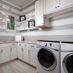 Exotisk inredning av en tvättstuga