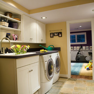 Laundry room - contemporary laundry room idea in DC Metro