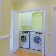Beach Style Laundry Room by Carolina Bluewater Construction