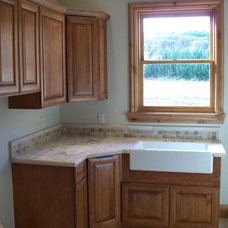 Traditional Laundry Room by Lowe's HIW Inc.