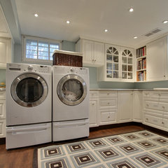 traditional laundry room by Bilton Design Group