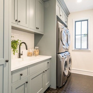 Photo of a transitional laundry room in Los Angeles.