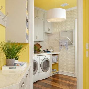 Foto di una lavanderia minimalista