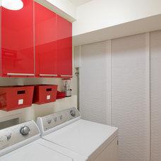 Modern Laundry Room by Midori Yoshikawa Design Group